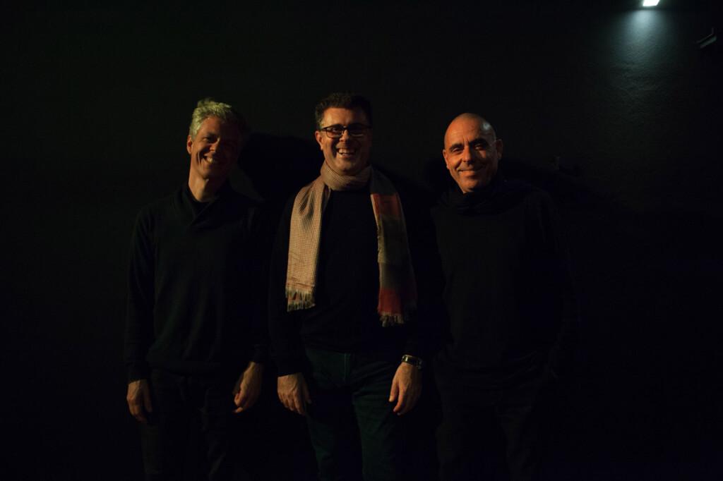 alberto-conde-trio-pose